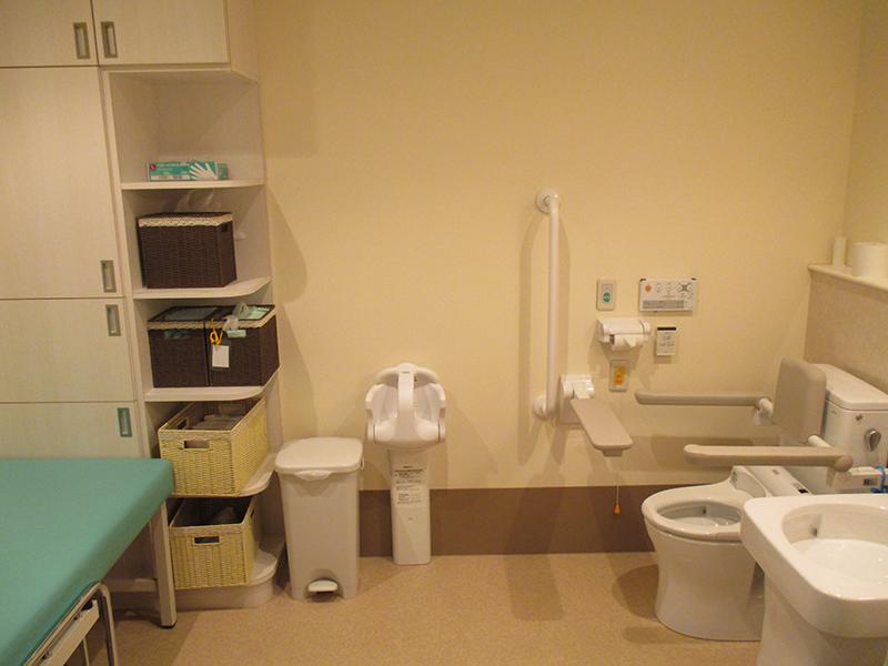 1階だれでも トイレ